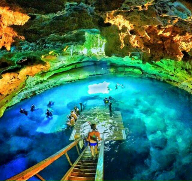 Devils Den Cave in Williston,Florida