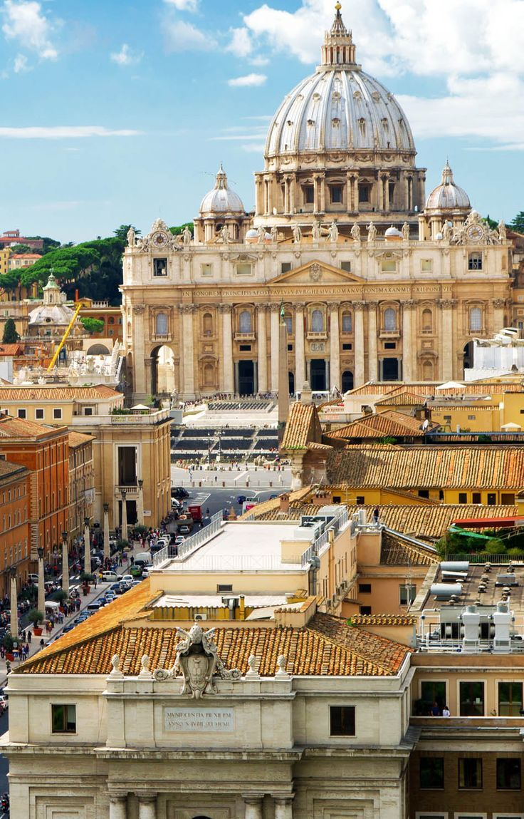 Italy Travel Inspiration - View of Rome cityscape, Basilica of St. Peter, Italy | 45 Reasons why Italy is One of the most Visited Countries in the World