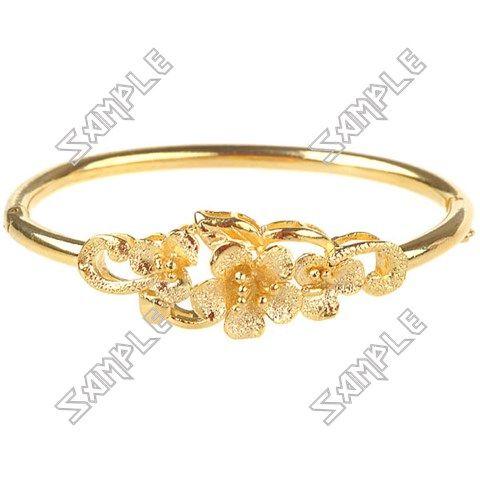 Noble Golden Metal Bangle Bracelet