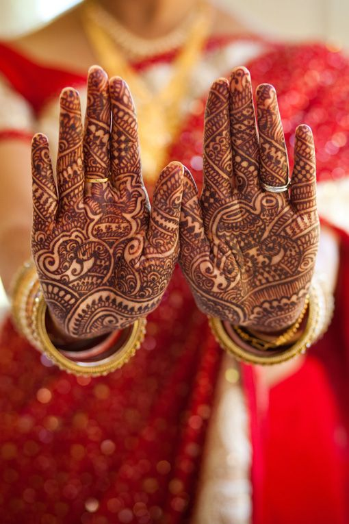 Indian wedding mehndi on IndianWeddingSite.com
