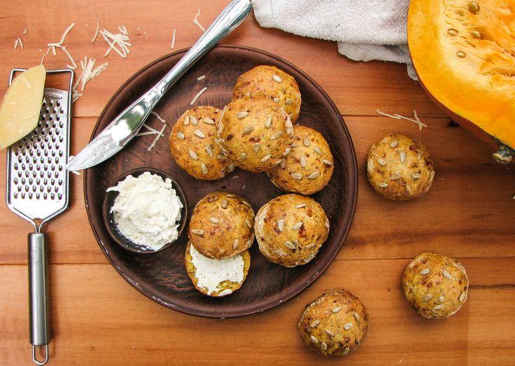 Пошаговый рецепт: булочки сконы с тыквой и пармезаном evilolivefood.com #food #recipe #delicious #evilolivefood #blog #foodie #foodblog #pumokin #scones #cheese