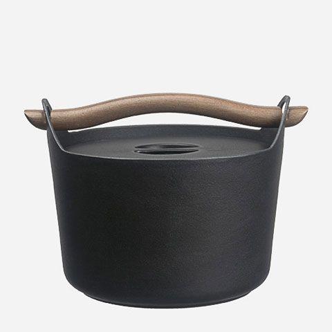 cast-iron-pot-sarpaneva
