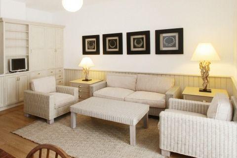 #Sanbabila square one bedroom apartment.   accomodation details :  sleeps 2 bedrooms 1 beds 2 bathrooms 1 reception room 1 metrostation MM1 red line San Babila