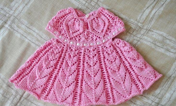 Вязаное платье для девочки спинка