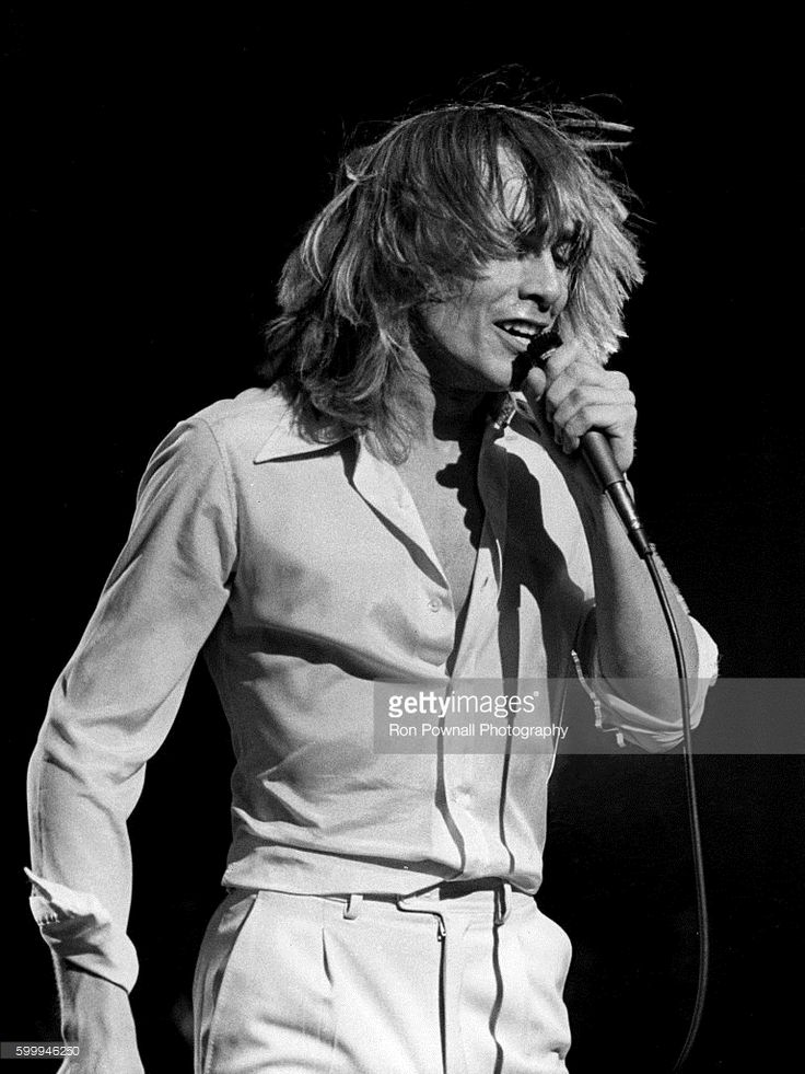 Robin Zander of the Rock group Cheap Trick backstage at The Paradise on June 9, 1978 in Boston, Massachusetts.