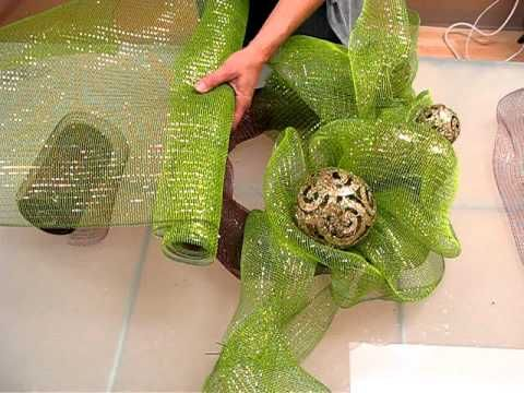 Alternative way to create a mesh wreath- video tutorial