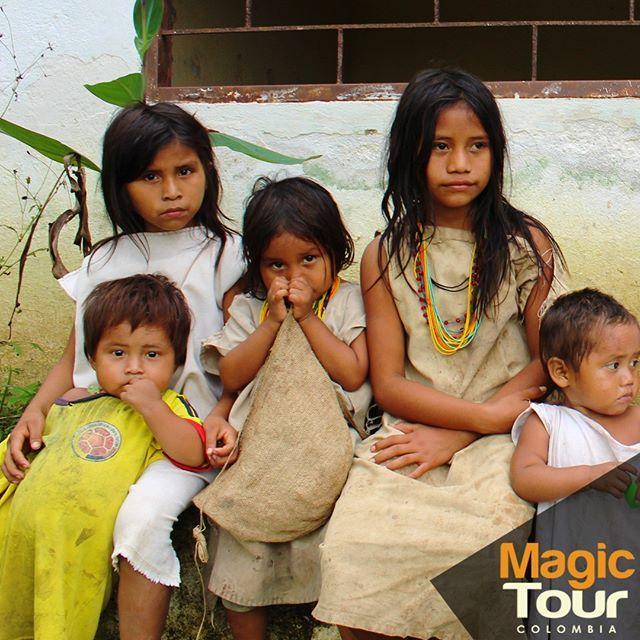 Beautiful kids that we met in our tour to Sierra Nevada! <3  ¡Hermosos niños que conocimos en nuestro recorrido por la Sierra Nevada!🤗👧👧🧒 #magictour #atazitrip #quebradadelsol #sierranevada #colombia   #indigenousculture #childhood #goodvibes #curiosity #friday #travel #adventures #cultures   www.magictourcolombia.com