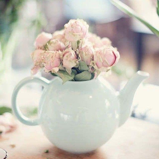 Teapots make a pretty centrepiece. theguideonline.com.au