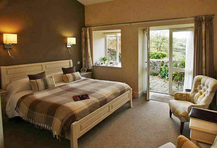 Stay at Pen-y-Dyffryn, Oswestry (Shropshire), England this #autumn and enjoy a #peaceful getaway with some #goodfood. #charming #small #hotels #charmingtravel #travel #trips #exploreengland #visitengland #rooms #roomdecor #roomdecoration #roomdesign #design #designinspo #designinspiration #autumntravel #autumntrips #food