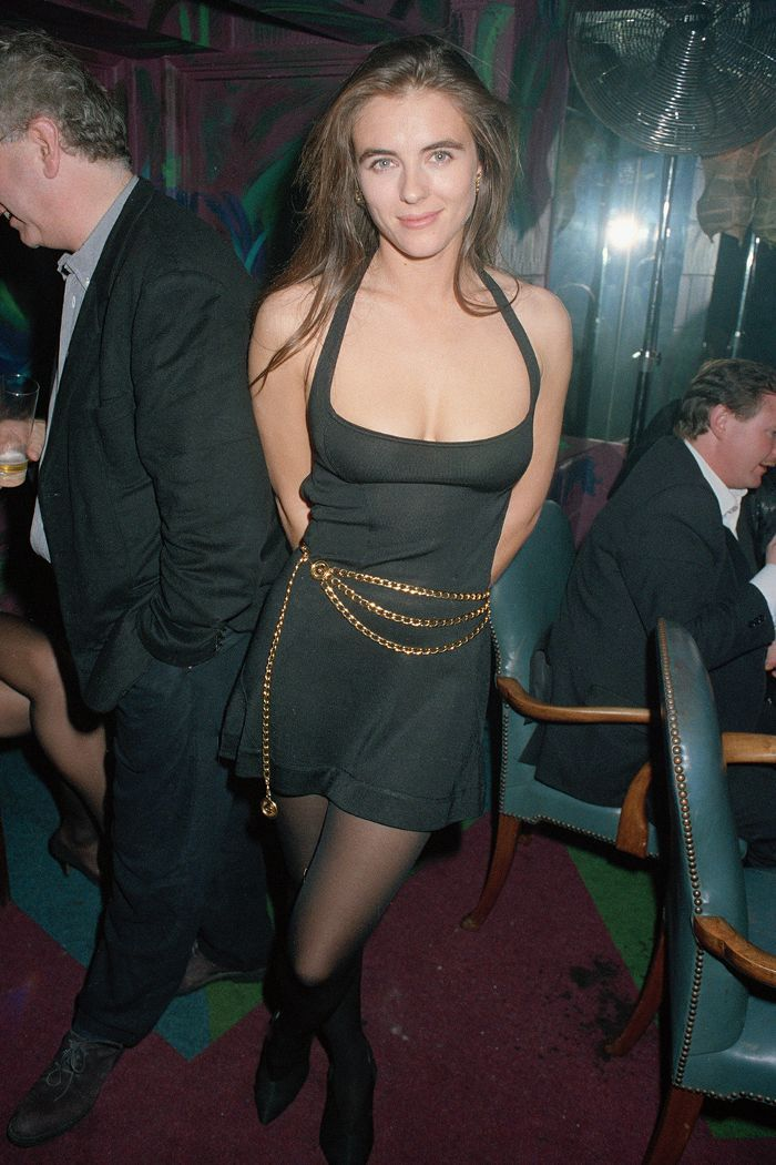 Liz Hurley Circa 1990 Is So On Trend For Now Elizabeth Hurley Elizabeth Hurley Bikini Hurley Bikini