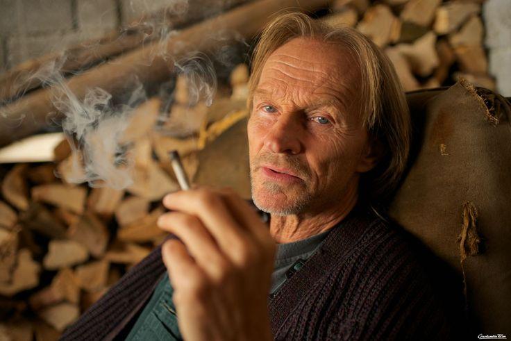 Im Marihuana-Himmel: Eberhofers Hippie-Papa (Eisi Gulp) genießt seinen Ruhestand in vollen Zügen.  © 2014 Constantin Film Verleih/Bernd Schuller
