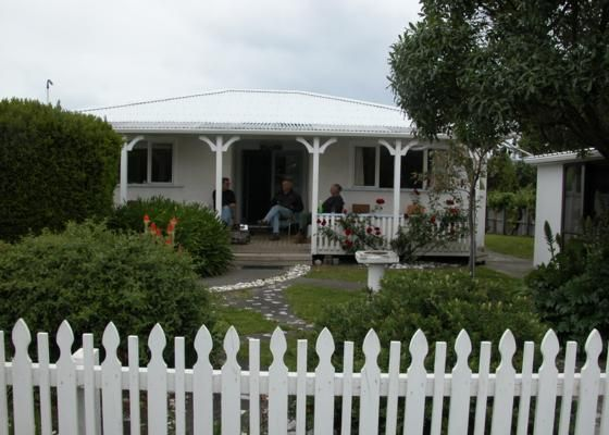 Wakatu (wait a while) Cottage in South Bay, Kaikoura District | Bookabach