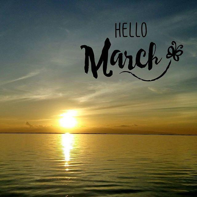 Assallamuallaikum, selamat pagi menjelang siang .... Seberat apapun masalahmu saat ini bersabarlah karena disetiap penghujung kesabaranmu itu ada kebahagiaan dan keindahan yang menanti oleh karena itu jangan lupa hiasi harimu dengan senyuman seindah sinar mentari pagi 🌞🌞😊😊 . . . . . #welcoming #march #morning #quotes #beautiful #sunrise #pagi #matahari #bali #indonesia #islandofgod #travellers #travelgram #latergram #instadaily #travelling #beach #sea #ocean #norningsky #beautifulsky by…