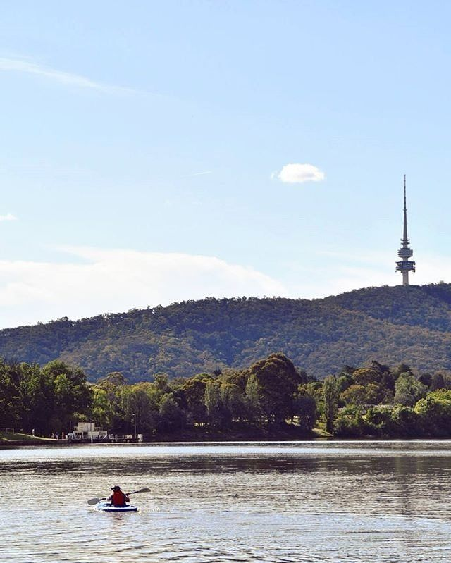 Summer is just around the corner and there's really nothing like the feeling of kayaking on Lake Burley Griffin. The masterful centrepiece of Canberra, the large and lovely Lake Burley Griffin is an ideal water playground, whether you're into kayaking, rowing, sailing, stand-up paddle boarding or fishing. For those seeking a more leisurely experience, take a cruise or simply enjoy the water views from one of the many lake-side cafes and restaurants. Photo by Instagrammer @metamorfoseada…