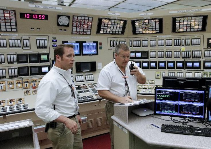 Watts Bar passes critical tests for Unit 2 startup   Times Free Press Control operators Chris Pugado, left, and Billy Horton work in the unit 2 control room of TVA's Watts Bar nuclear plant Wednesday, April 29, 2015, in Spring City, Tenn. TVA plans for the nuclear plant's second reactor unit to come online by the end of the year. Photo by Doug Strickland /Times Free Press.