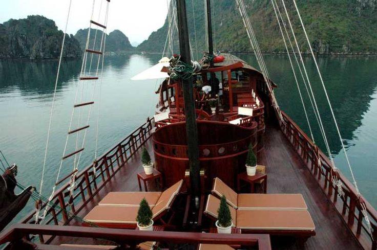 Jonque Red Dragon - Croisière sur la jonque Red Dragon à la baie d'along Vietnam