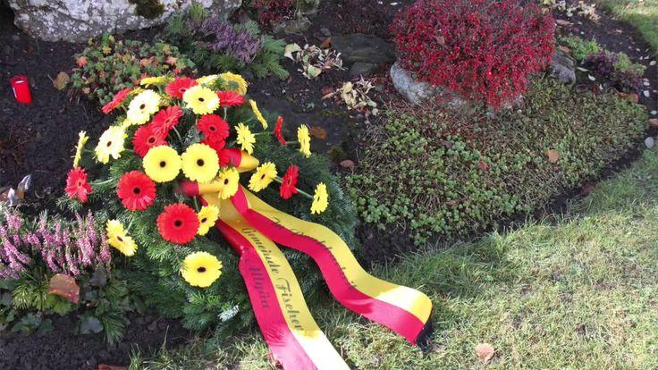 Volkstrauertag und Gedenkfeier im Allgäu. Der Volkstrauertag ist ein staatlicher Gedenktag, an dem an die Kriegstoten und Opfern aller Gewaltverbrechen erinnert wird.