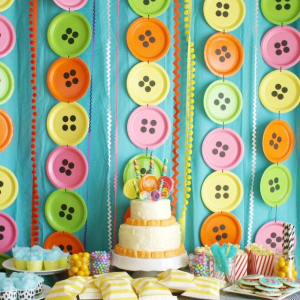 Cute as a button party - paper plate buttons  sc 1 st  Pinterest & 42 best Party Decorations | Paper Plate Backdrops images on ...