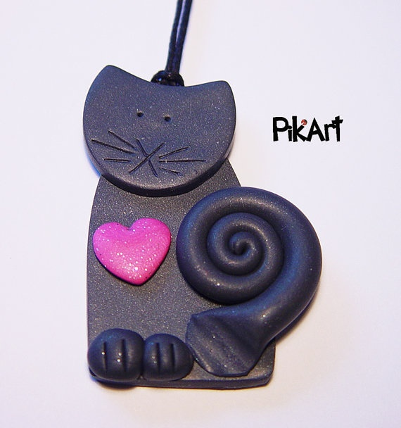 Gray kitty with pink heart  handmade polymer clay by Pikart, €5.90