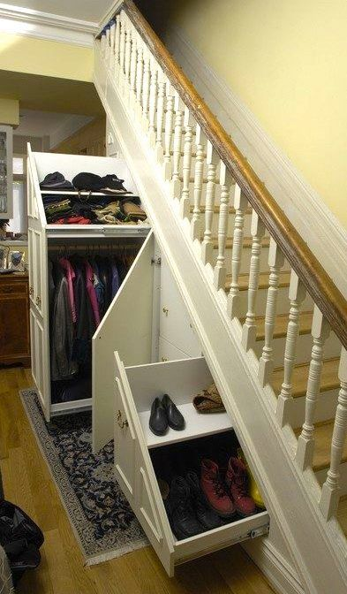 CustomMade by Lip Woodworks: http://custm.co/fb/594 vedettävillä kaapeilla vois saada paremmin tilan käyttöön.