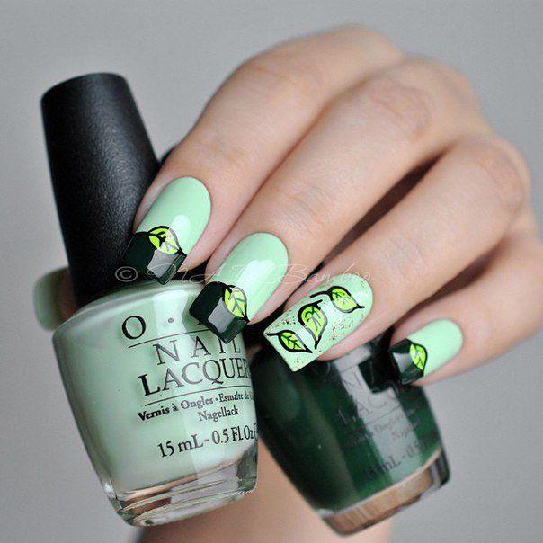 Приятный весенний вариант оформления ногтей. В дизайне идеально сплелись темно-зеленый и светло-салатовый цвета, которые символизируют пробуждающуюся природу. Небольшие симпатичные листики, ...