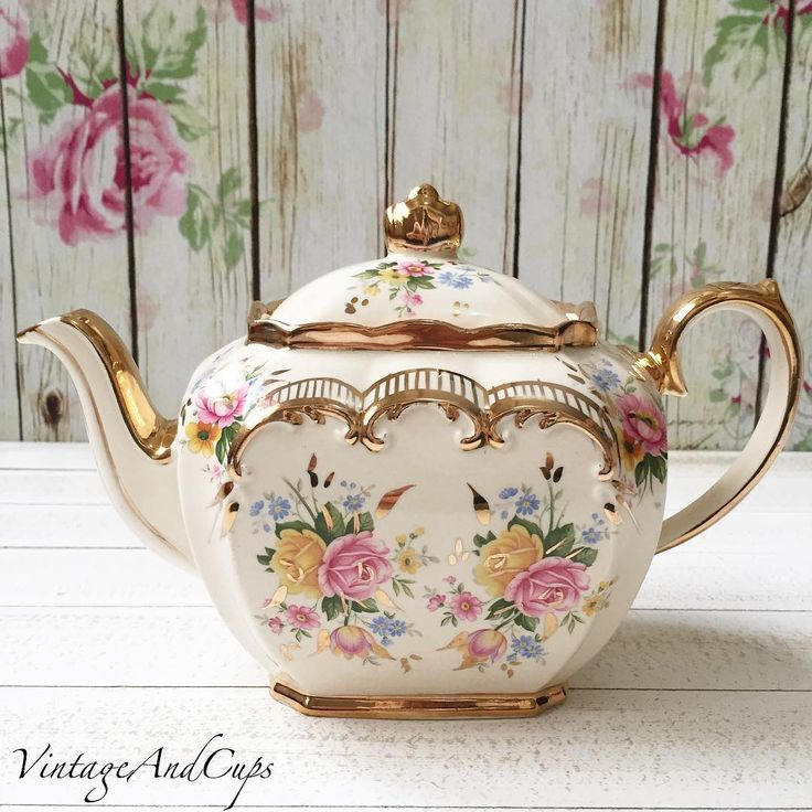 Sadler cube floral teapot in very good condition.
