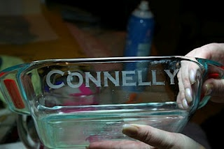 Etched glass baking dishes... Why didn't I think of this!?Crafts Ideas, Glasses Etchings, Baking Dishes, Gift Ideas, Glasses Baking, Crafty Lady, Etchings Glasses, Shower Gift, Housewarming Gifts