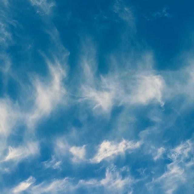 #lookedup n saw cloud waves ..