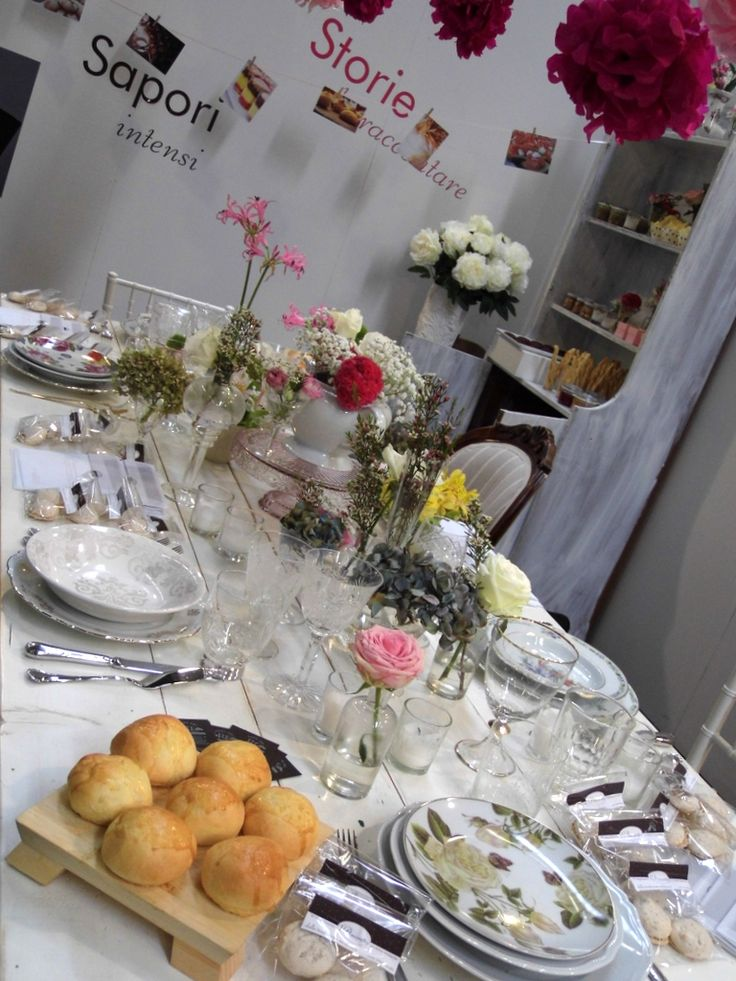 Shabby chic set- up for a romantic wedding day. By L'Erba del Re
