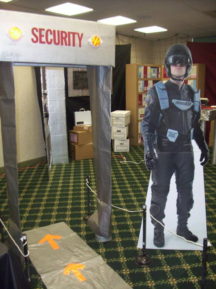 Security scanner in front of church or in foyer?