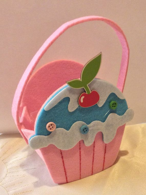 Handmade felt cupcake bag. Cupcake. Cup cake. by 925silvergem