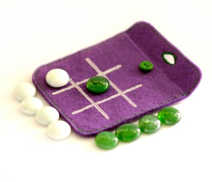 Tic Tac Toe in felt purse. soft felt game to go. gift by Xmarynka