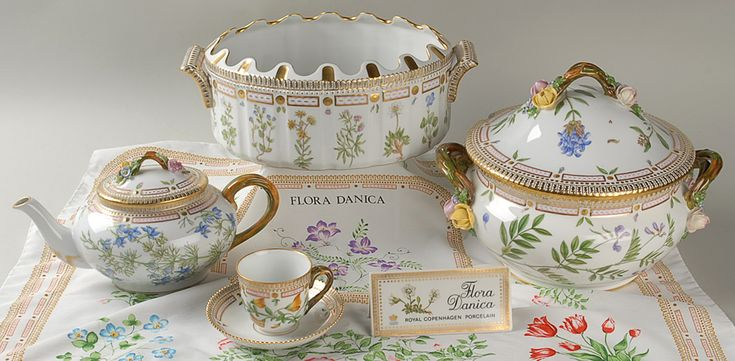 The iconic  Flora Danica  china pattern from Royal Copenhagen. This famous pattern debuted & 10 best WORLD EXPENSIVE CHINA images on Pinterest | Flora danica ...