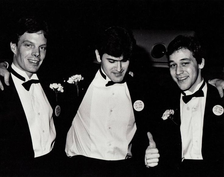 Robert Tapert, Bruce Campbell & Sam Raimi, taken around the time #EvilDead was under the title of 'Book of the Dead' we're guessing?