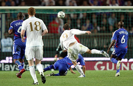 McFadden's goal against France in Paris, September 2007