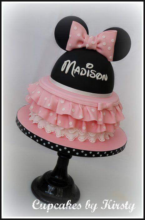 MINNIE & MICKEY. Une gâteau Minnie rose et noir.