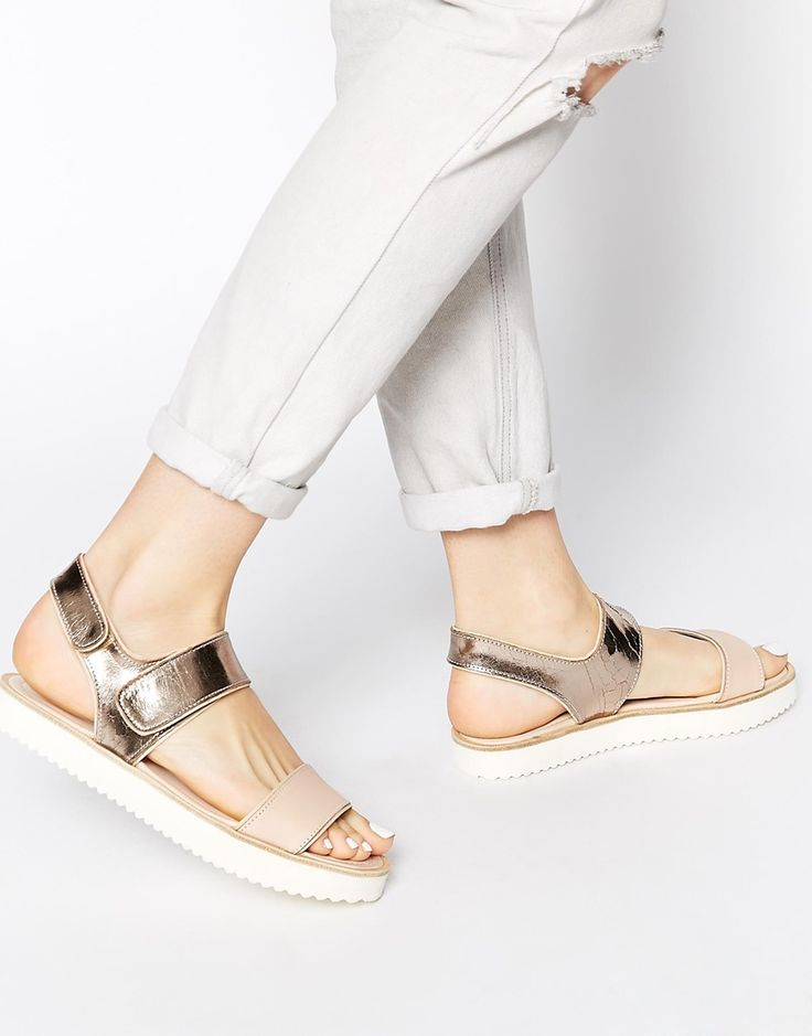 ASOS Whistles – Holly – Flache Sandalen in Rosengold mit Riemen