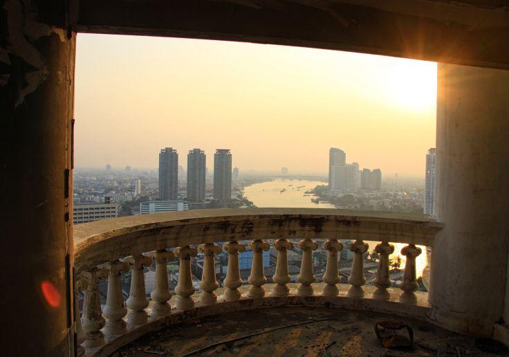 Édifice abandonné / Ghost Tower | Bangkok, Thailand