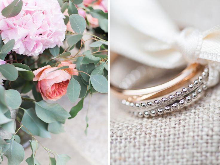 Rendez-vous avec Marine et Etienne sur le blog pour un mariage chic au domaine de la Butte Ronde : cérémonie laïque en extérieur, compositions florales...
