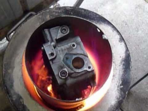Cylinder head melted in mega crusible.wmv - YouTube