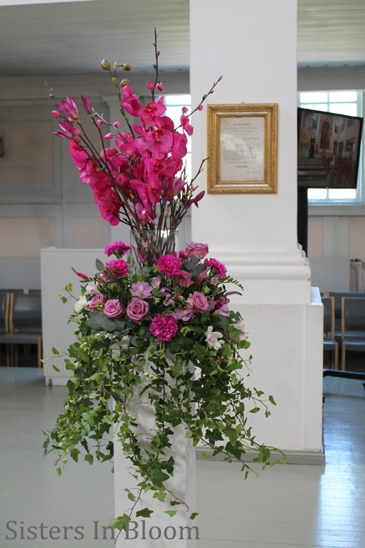 Flowers and event design by Sisters In Bloom  www.sistersinbloom.fi  Also event design amoriini.com & Somistuspalvelu  www.somistuspalvelu.fi