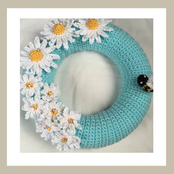Decorative Crochet 25cm Daisy Wreath by RoamingCrochet on Etsy