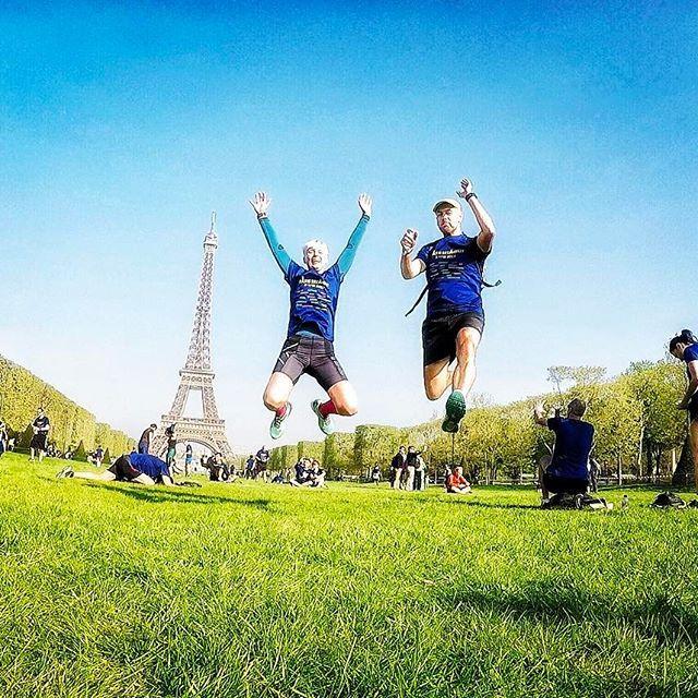*Pic of the week* 🇺🇸Never forget: running is freedom! We are privileged to run as we did three weeks ago at the Breakfast Run in Paris ❤️ Vive la France! 🇫🇷 // 🇩🇪 Vergiss niemals: Laufen ist Freiheit! Wir sind privilegiert zu laufen, wie wir es vor 3 Wochen beim Breakfast Run in Paris getan haben ❤️ Vive la France! 🇫🇷