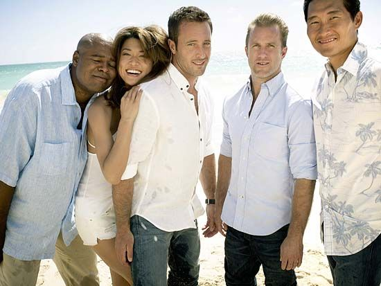 Exclusive Photos: The New Hawaii Five-0 Team – With Grover – Soaks Up the Sun - Today's News: Our Take | TVGuide.com