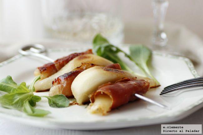 Brocheta de pera, queso de Arzúa y jamón serrano
