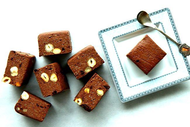 Ciasto czekoladowe z kaszy jaglanej - bezglutenowe brownie bez pieczenia