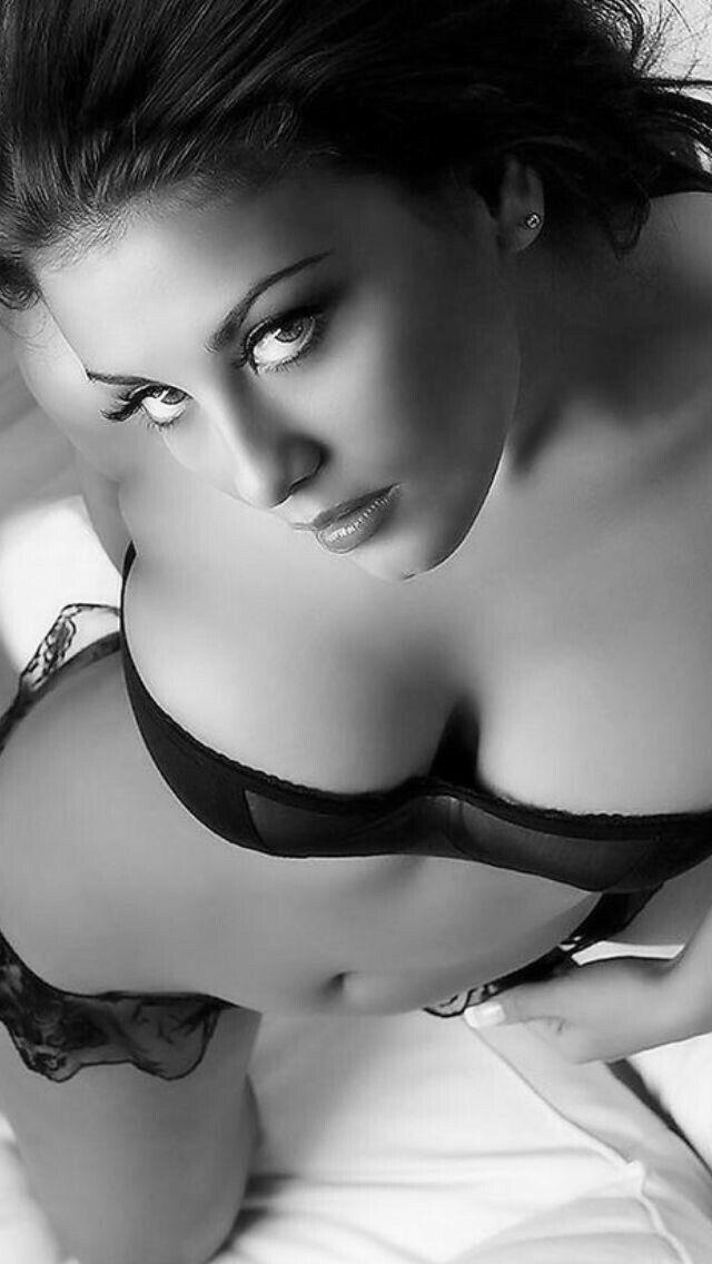Jenaveve Jolie sesso anale