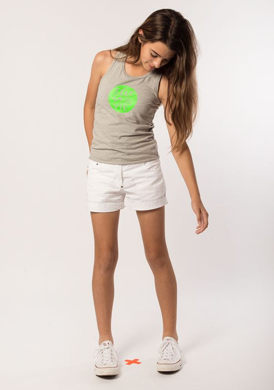 Top - Racer: Grey Marle Short - Classic 5 Pocket: Pure White