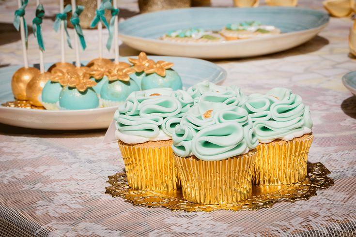 Mooi en onweerstaanbaar lekker! // Foto: Ricon Fotografie // Cupcakes: Taart & kunst