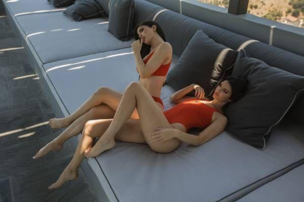 Kendall & Kylie Jenner lanzan nueva colección de trajes de baño y ya es un éxito